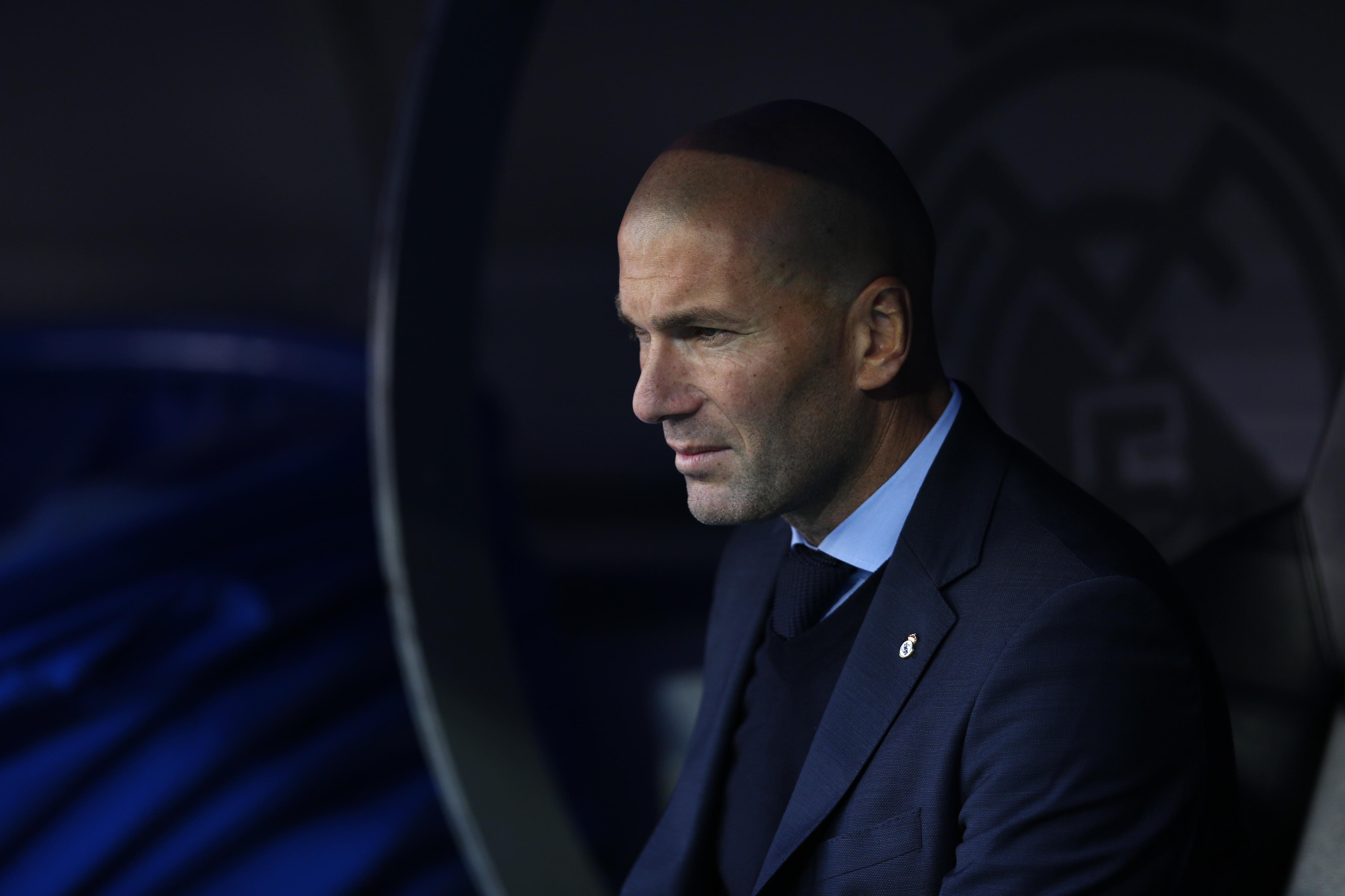 Zinedine Zidane: Ved ikke om Hazards sæson er forbi...
