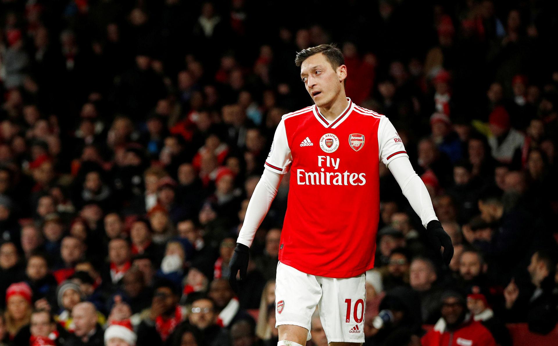 Özil får svært ved at komme på...